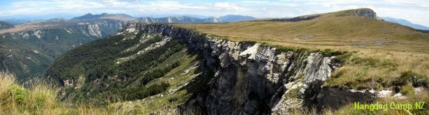 tramping-vista-04-thousand-acre-plateau-kahurangi-np-2